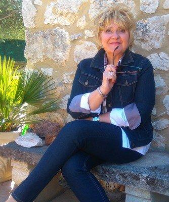 Rosarielle, Médium spirite, coach intuitif, énergeticien